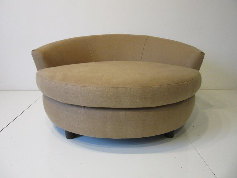 20th Century Round Lounger / Sofa Chair in the Style of Baughman / Pearsall For Sale