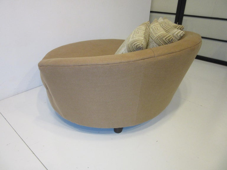 Round Lounger / Sofa Chair in the Style of Baughman / Pearsall For Sale 1