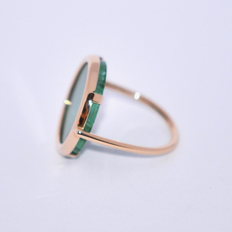 Round Malachite and Rose Gold 18 Karat Fashion Ring In New Condition For Sale In Vannes, FR