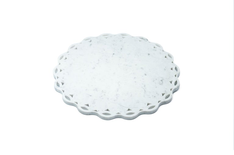 Hand-Crafted Round Marble Tray or Plate with Scalloped Edge For Sale