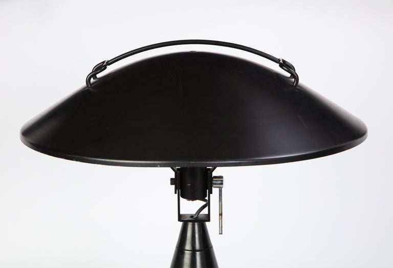 Round Metal Desk Lamp in Black, Modern For Sale 7