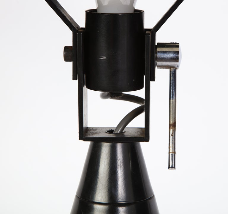 Round Metal Desk Lamp in Black, Modern For Sale 8