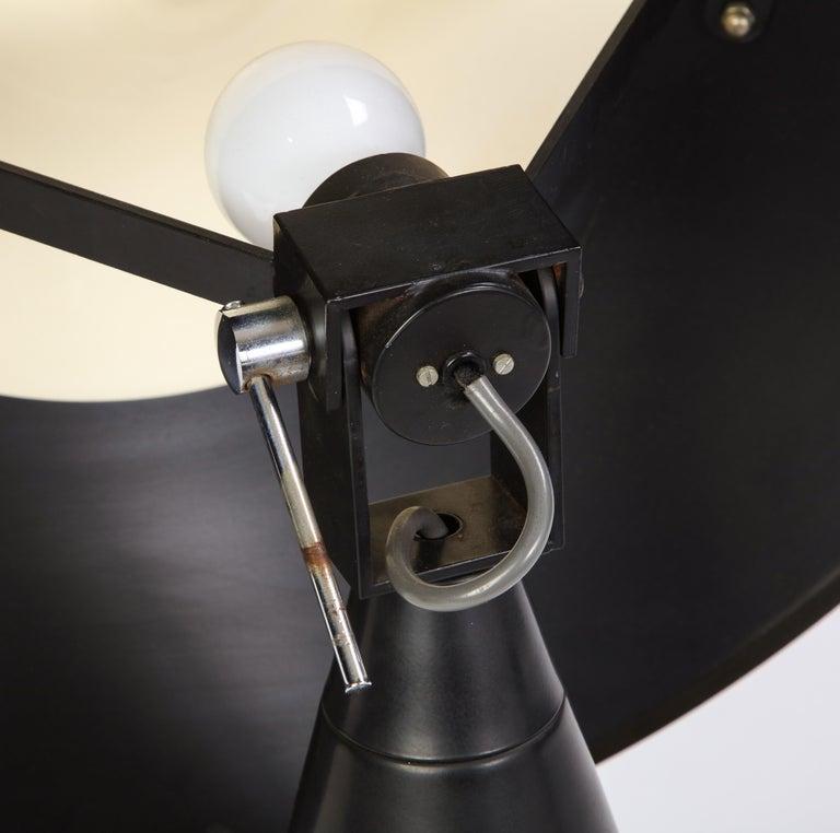 Round Metal Desk Lamp in Black, Modern For Sale 13