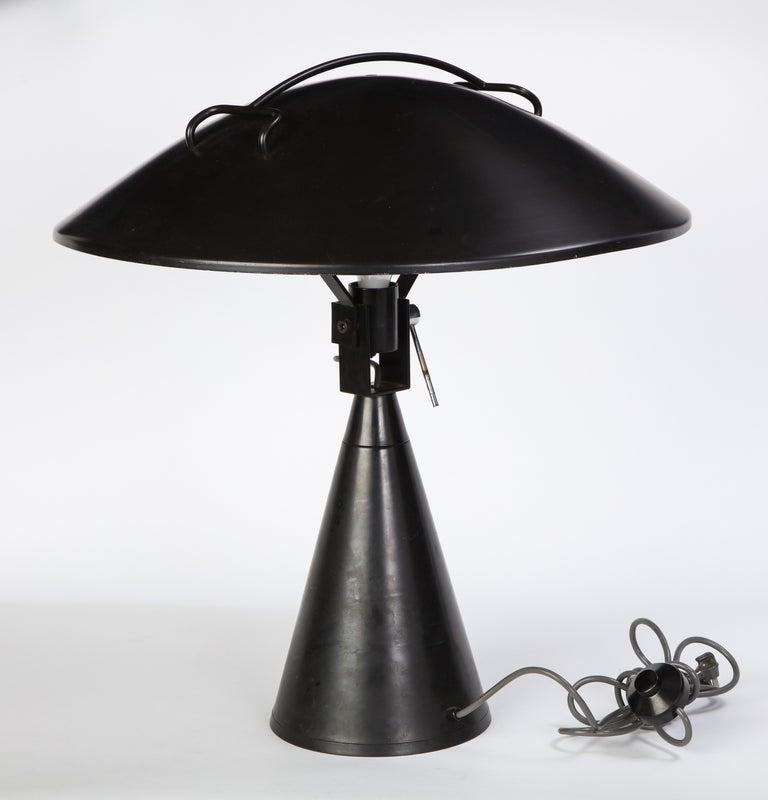 Round Metal Desk Lamp in Black, Modern For Sale 4