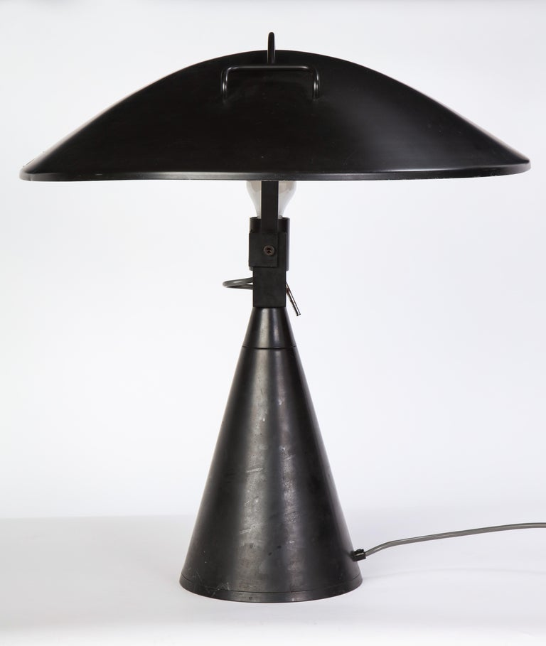 Round Metal Desk Lamp in Black, Modern For Sale 5