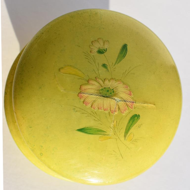 Italian Round Midcentury Green Alabaster Floral Hinged Trinket Box with Lid, Italy For Sale