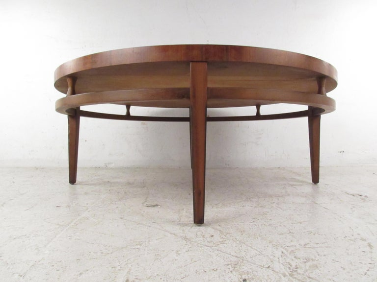 North American Round Mid-Century Modern Coffee Table by Lane Furniture For Sale