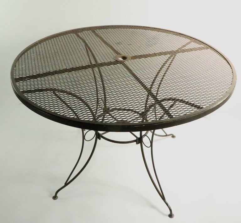 Round Mid Century Patio Garden Table Attributed to Woodard For Sale 1