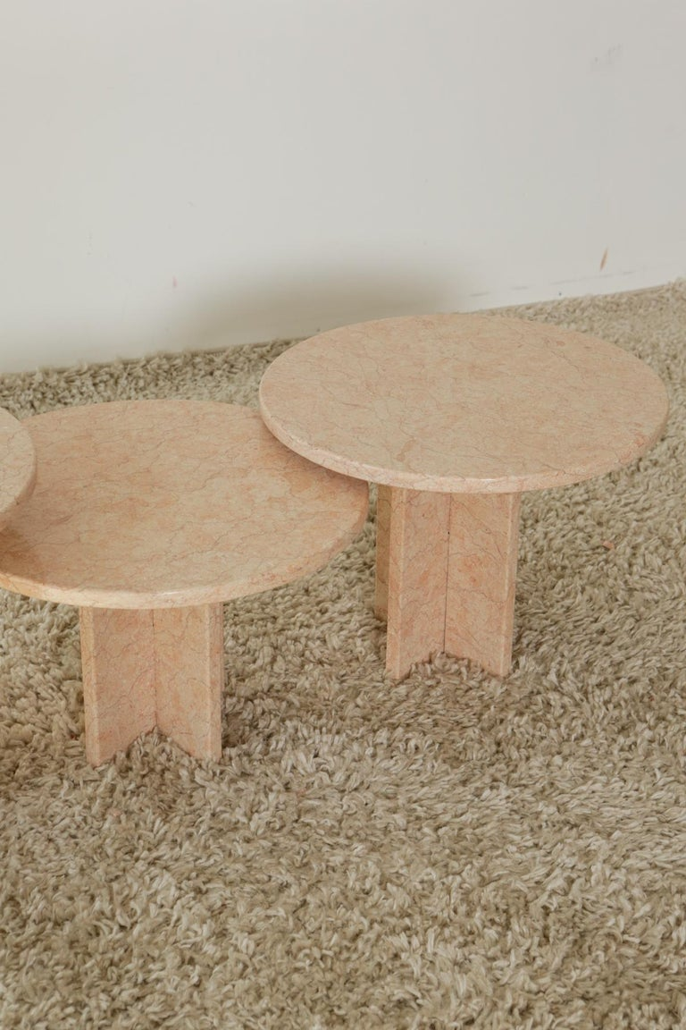 Round Nesting Table in Oriental Pink Marble For Sale 1