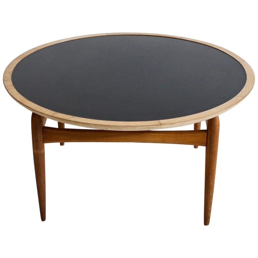 Round Oak Coffee Table Manufactured by Ludvig Pontoppidan