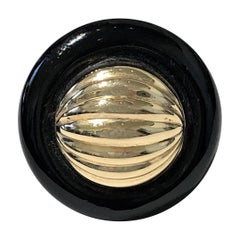 Round Onyx Ring with Fluted Gold Dome Center