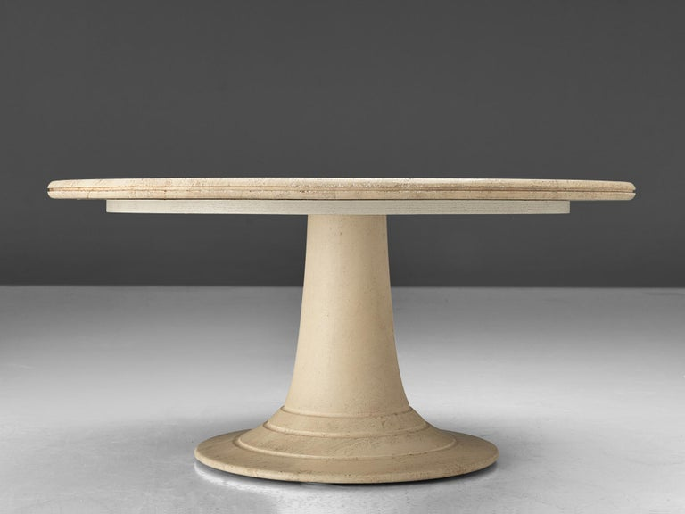 Round Pedestal Coffee Table in Travertine In Good Condition For Sale In Waalwijk, NL
