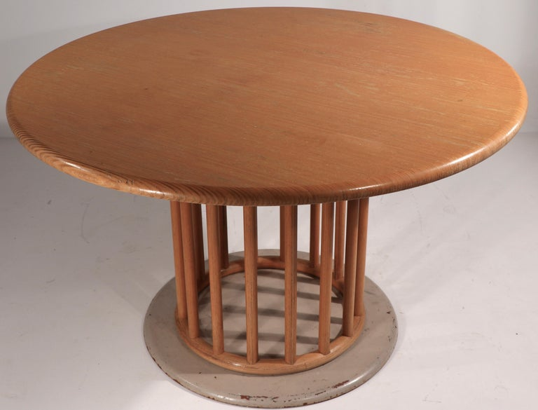 Round Pedestal Dining Table by Helmut Lubke In Good Condition In New York, NY
