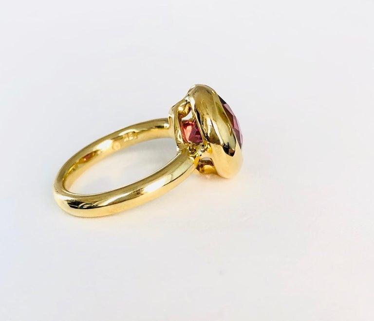 18 Karat Yellow Gold Round Pink Tourmaline Ring For Sale 1