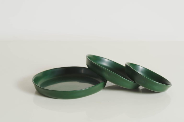 Round Plates, Set of 3, Green Lacquer by Robert Kuo, Handmade, Limited Edition For Sale 1