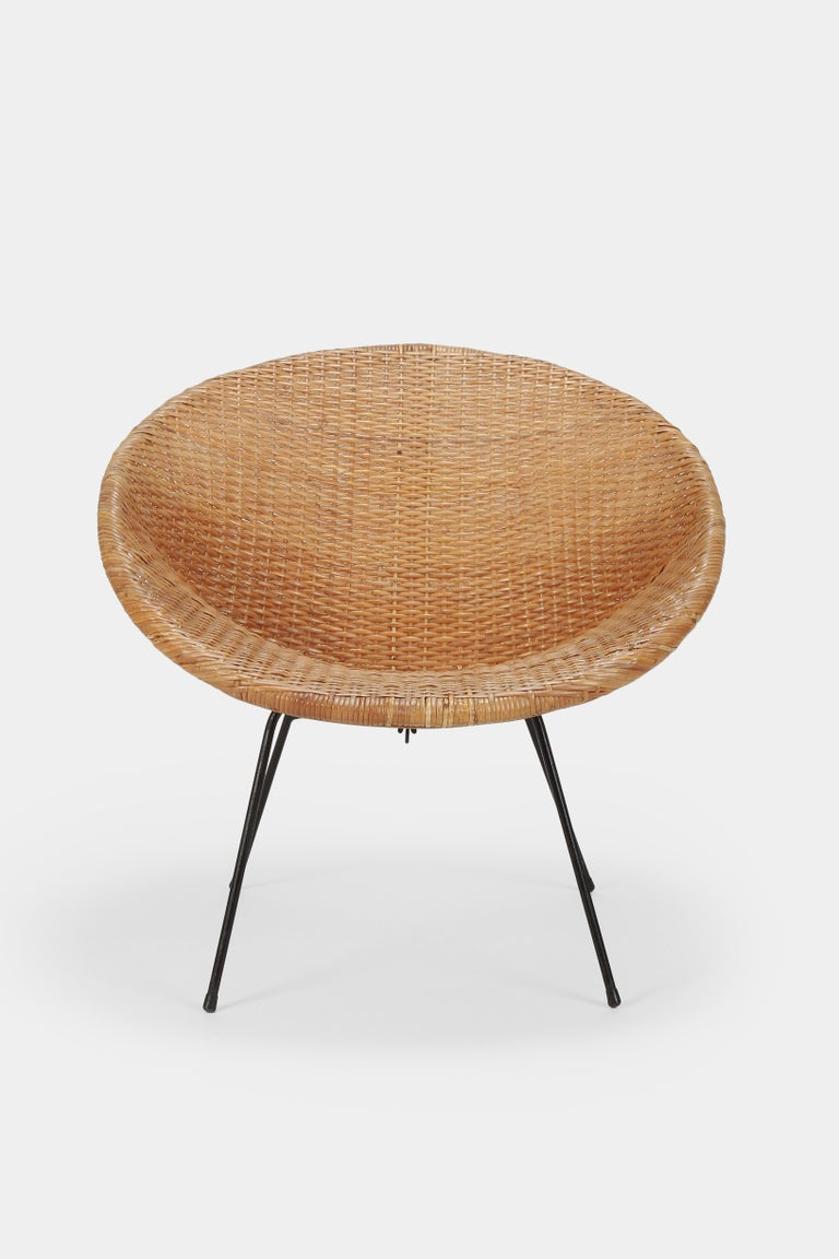 Mid-Century Modern Round Rattan Circle Chair, 1950s For Sale