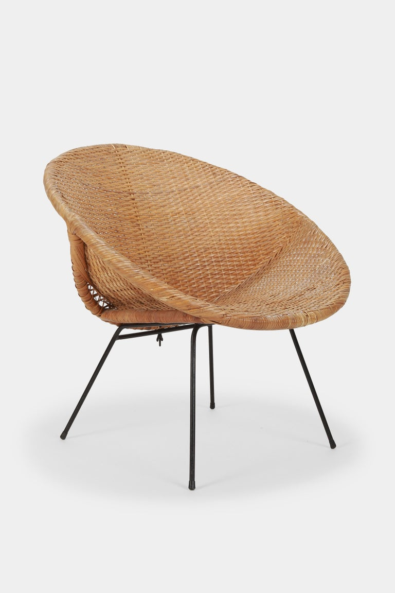 French Round Rattan Circle Chair, 1950s For Sale
