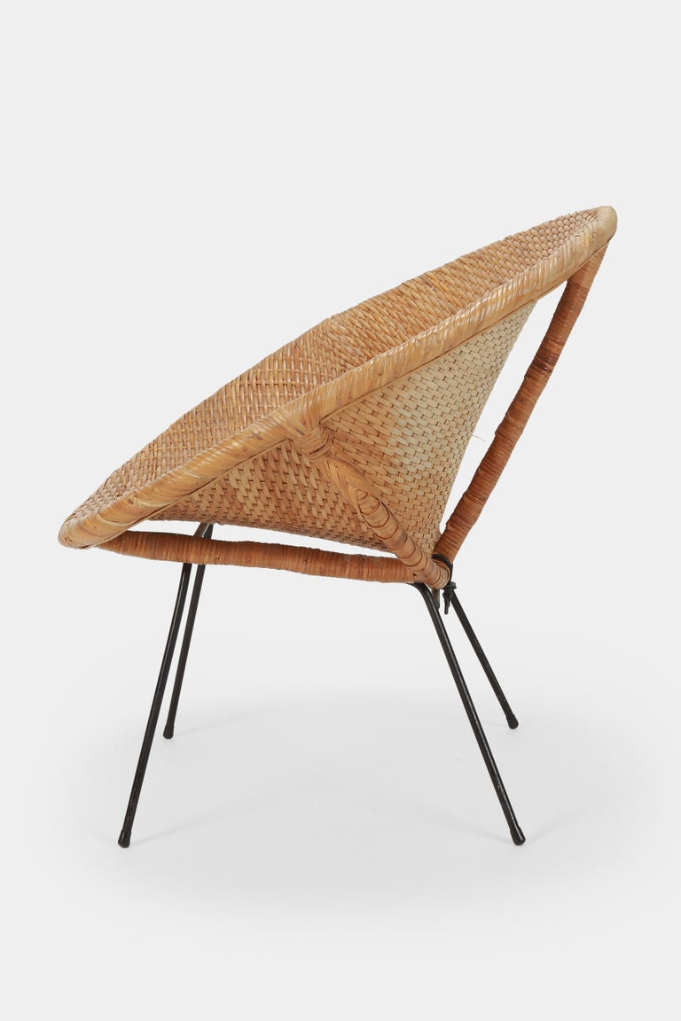 Mid-20th Century Round Rattan Circle Chair, 1950s For Sale