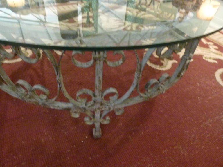 Round Recycled Coffee Table, Glass and Rough Iron In Good Condition For Sale In Vulpellac, Girona