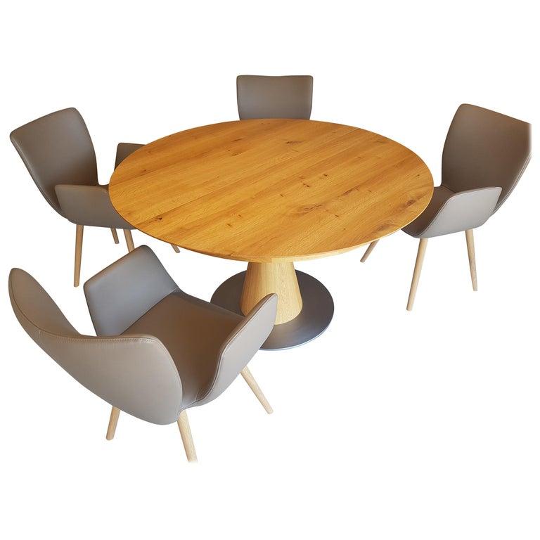Round Scandinavian Design Dining Room Set Made Of Oiled Oak For