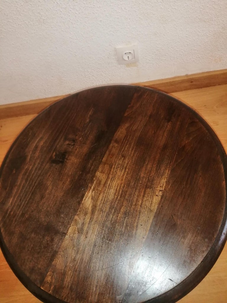19th Century Round Side Table Features Barley Twist Legs,19th century For Sale