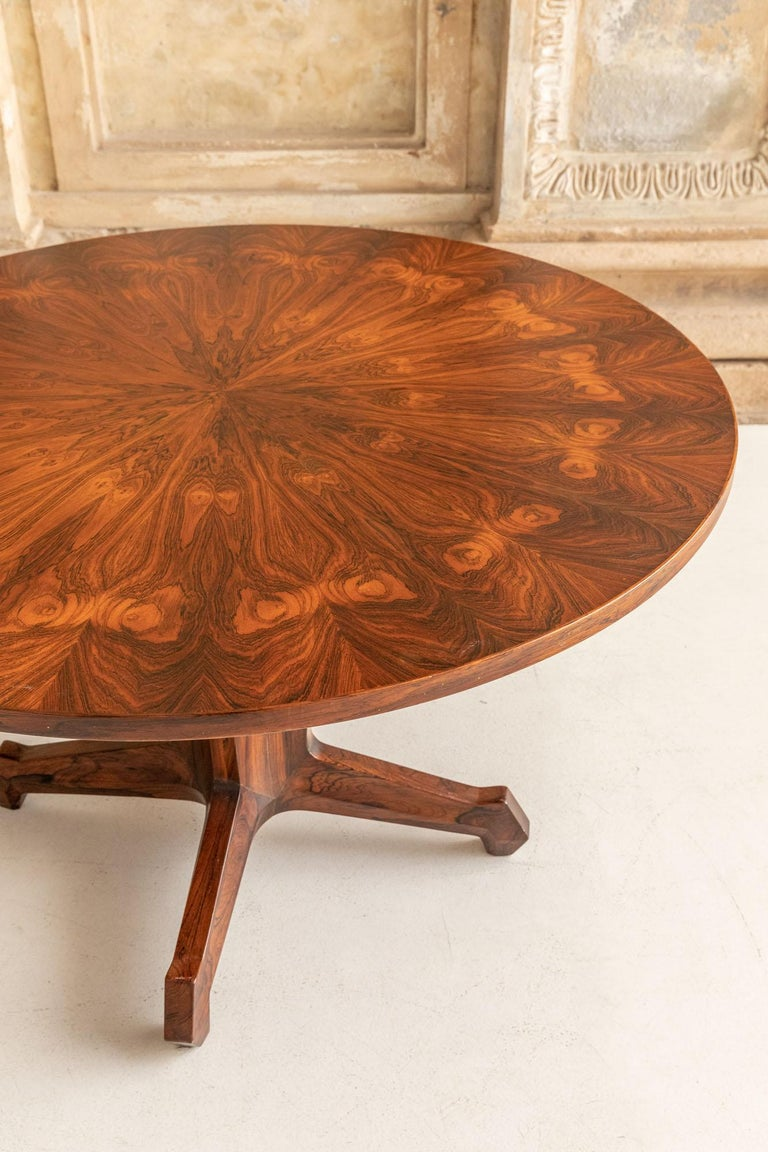 Mid-Century Modern Round Table Attributed to Melchiorre Bega For Sale
