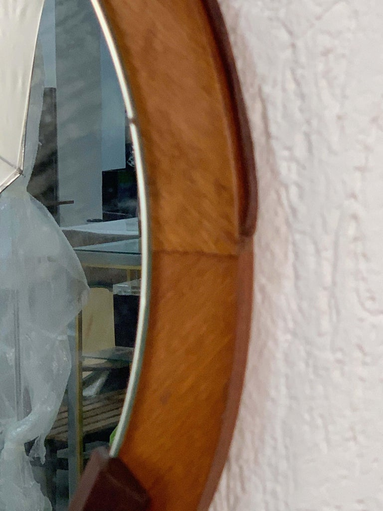 Round Teak Framed Mirror, Italian Wall Mirror and Leather, Italy, 1960s In Good Condition For Sale In Roma, IT