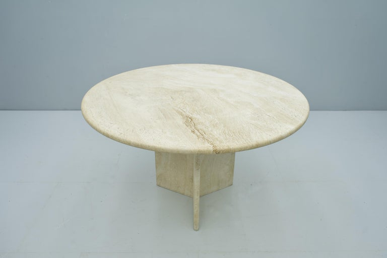Mid-Century Modern Round Travertine Dining Table, Italy, 1970s