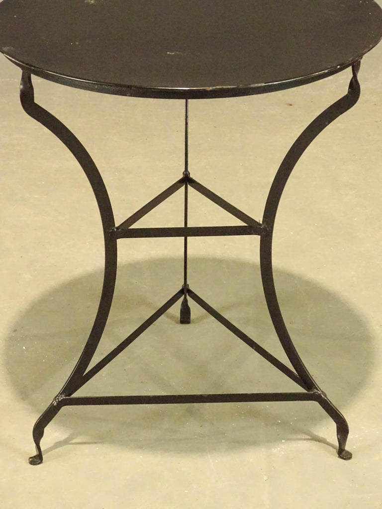 Round Vintage Metal Top Bistro Table In Good Condition For Sale In Great Barrington, MA