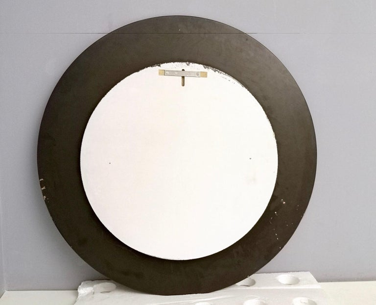 Round Wall Mirror with Beveled Mirror Frame, Italy, 1960s In Good Condition For Sale In Bresso, Lombardy