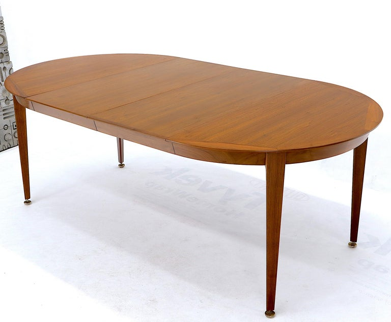 Round Walnut Tapered Legs Dining Room Table with Two Extensions Boards For Sale 8
