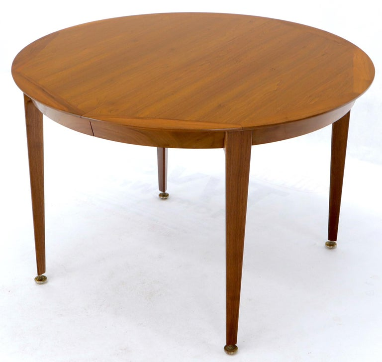 Round Walnut Tapered Legs Dining Room Table with Two Extensions Boards For Sale 1