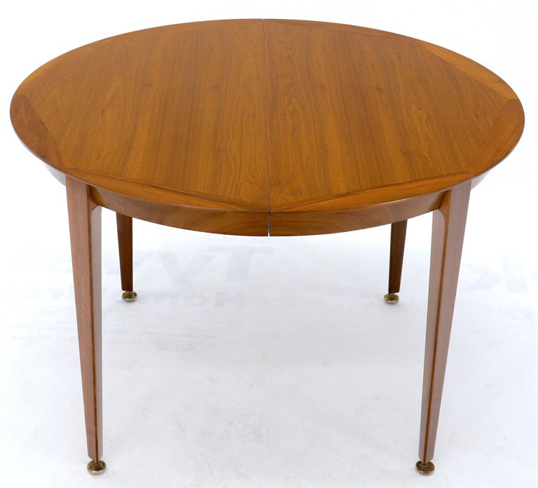Round Walnut Tapered Legs Dining Room Table with Two Extensions Boards For Sale 3