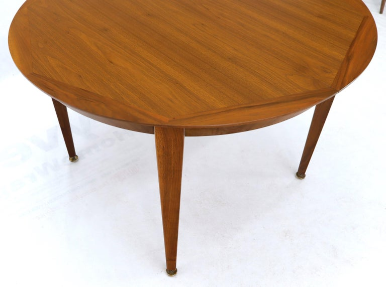 Round Walnut Tapered Legs Dining Room Table with Two Extensions Boards For Sale 5