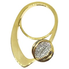 Round White Diamond 18 Karat Yellow Gold One of a Kind Cocktail Fashion Ring