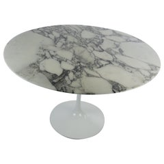Round White Marble Dining Table by Eero Saarinen for Knoll