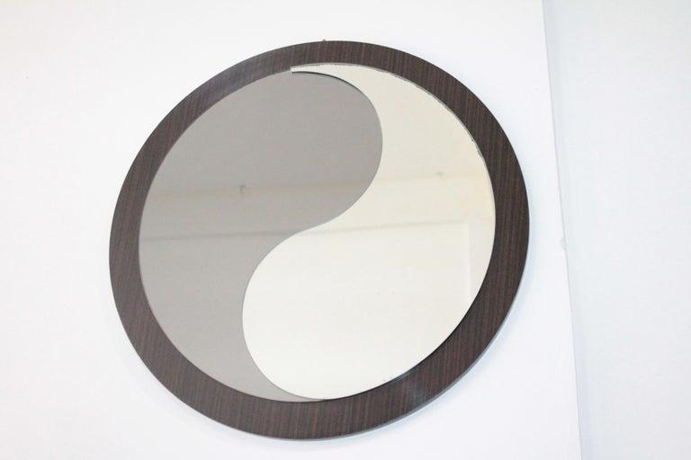 Round Wood Italian Vintage Mirror Tao Design Artglass, 1970s In Good Condition For Sale In Palermo, Palermo
