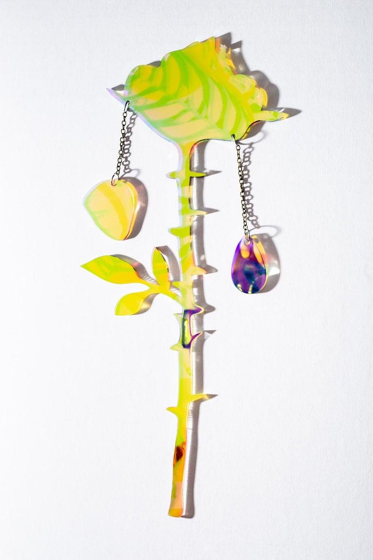 Petals Falling - Sculpture by Roxana Azar