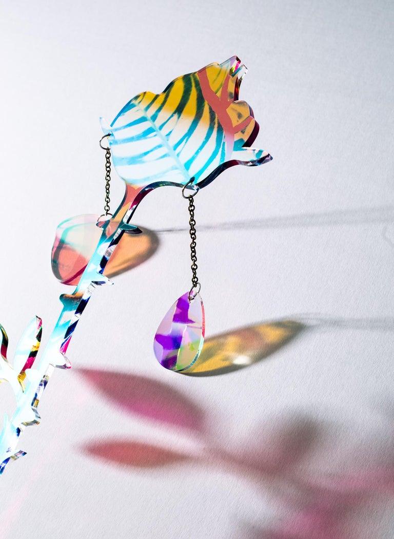 Petals Falling - Beige Abstract Sculpture by Roxana Azar
