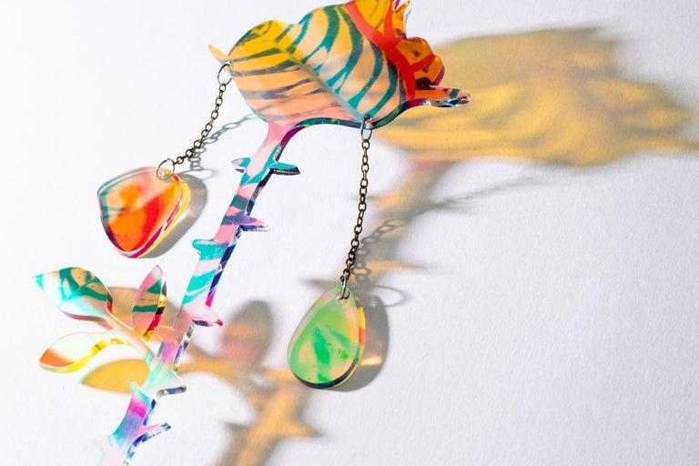 Roxana Azar Abstract Sculpture - Petals Falling