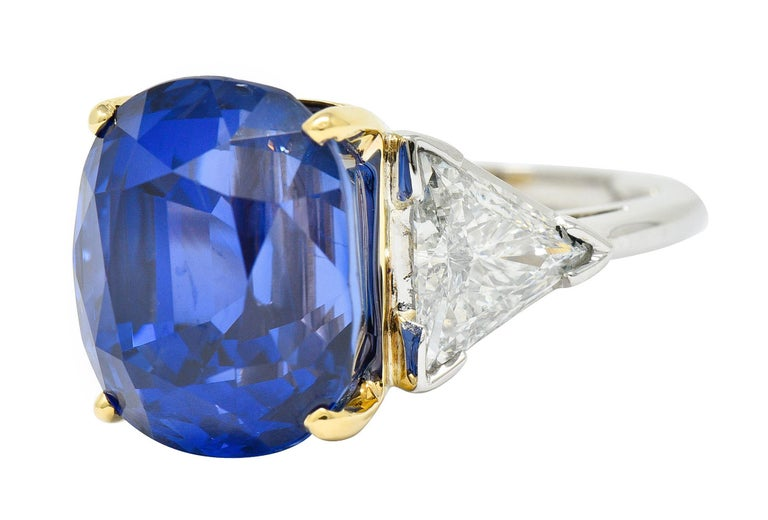 Women's or Men's Royal Blue 22.66 Carats No Heat Ceylon Sapphire Diamond Platinum Ring Gubelin For Sale