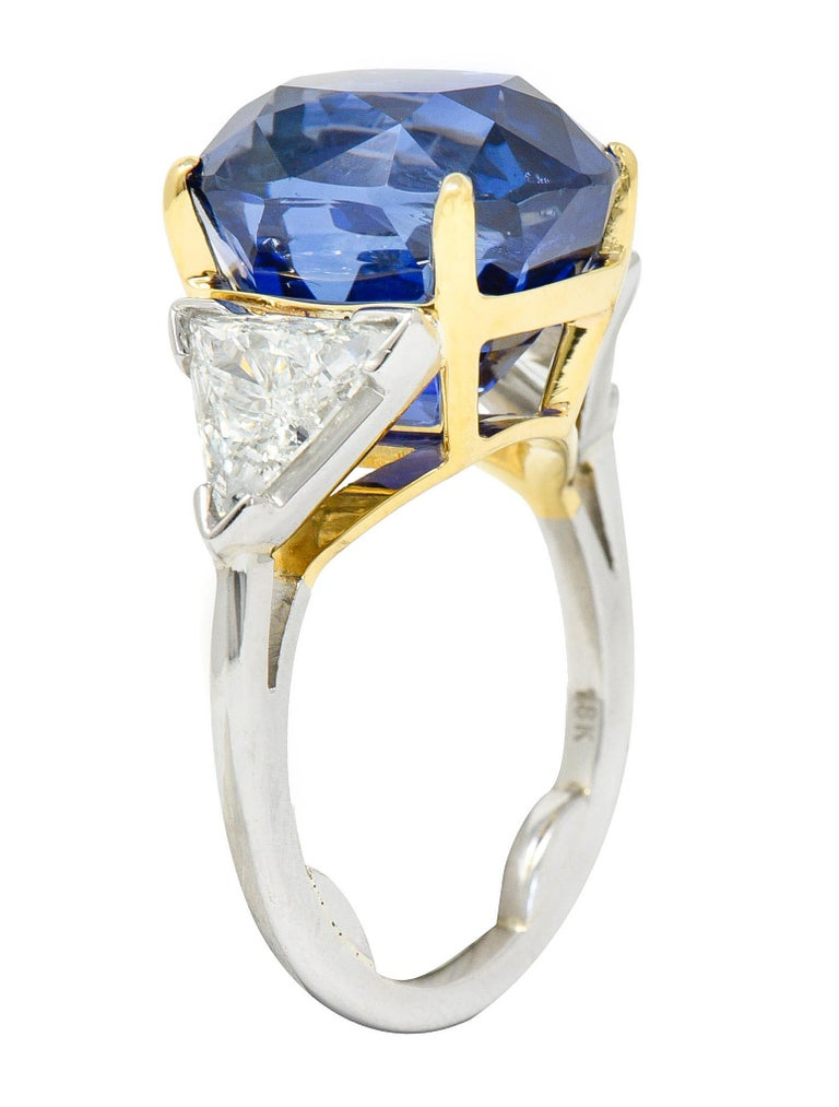 Royal Blue 22.66 Carats No Heat Ceylon Sapphire Diamond Platinum Ring Gubelin For Sale 3