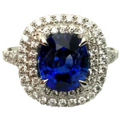Royal Blue 2.68 Carat Natural Sapphire and Diamond Ring GIA Certified