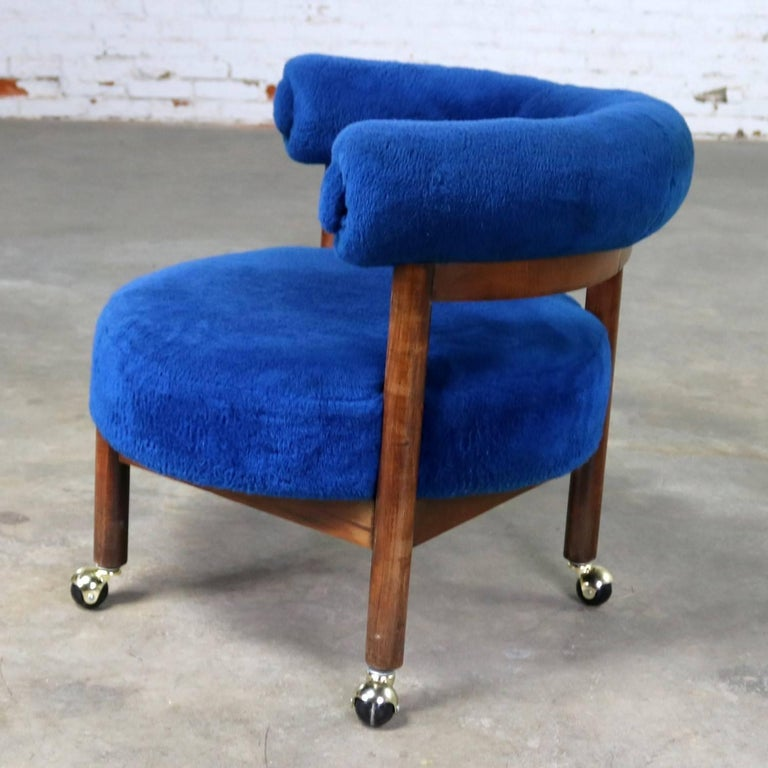 Royal Blue Round Corner Chair With Bolster Back On Casters