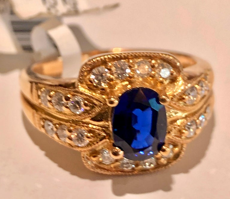Royal Blue Sapphire and Diamonds Ring 18 Karat Rose Gold In New Condition For Sale In Brunswick, ME