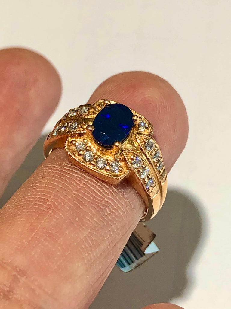 Royal Blue Sapphire and Diamonds Ring 18 Karat Rose Gold For Sale 1