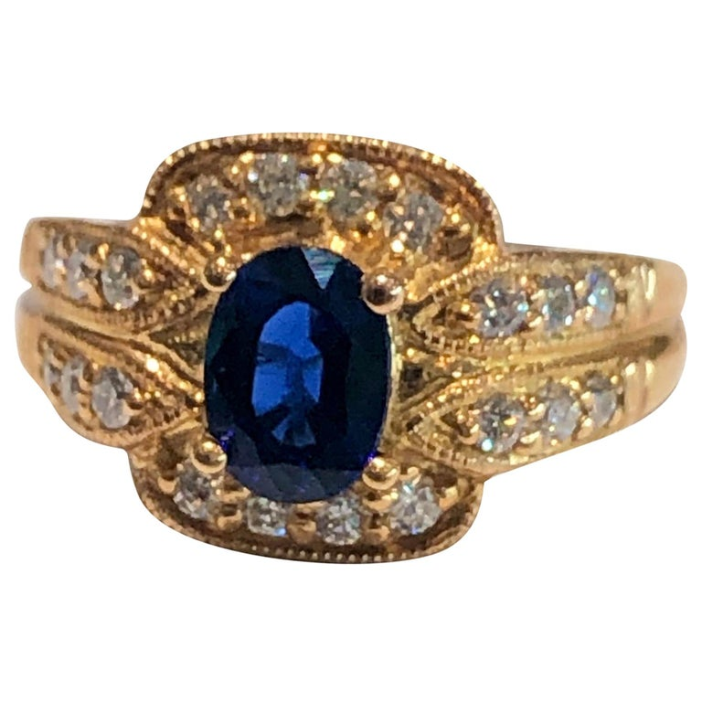 Royal Blue Sapphire and Diamonds Ring 18 Karat Rose Gold For Sale