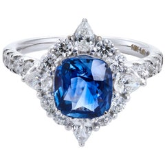 Royal Ceylon Blue Sapphire Ring Set in 18 Karat White Gold and VS/G Diamonds
