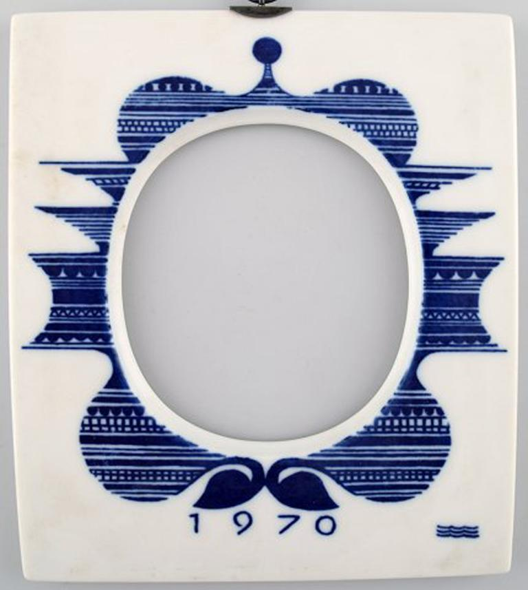 Royal Copenhagen annual frame from 1970 (large) with hanger in sterling silver by A. Michelsen.
