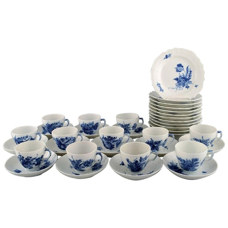 Royal Copenhagen Blue Flower Curved Coffee Service for Twelve People, 1960s For Sale